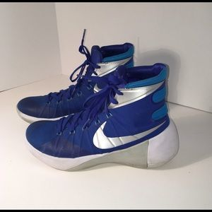 Nike Basketball Shoe Women's Hyperdunk Size 9